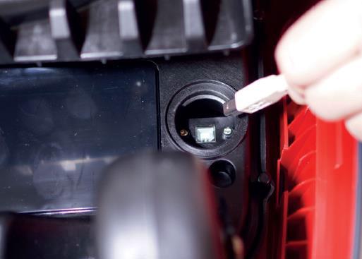 Mähroboter   AL-KO Robolinho® Autoupdater - Schritt 10: USB Kabel verbinden