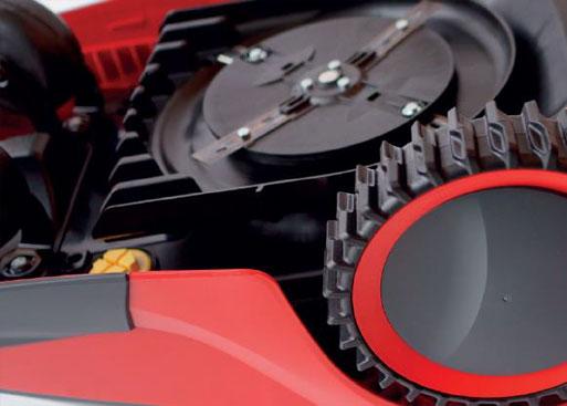 Mähroboter   AL-KO Robolinho® Autoupdater - Schritt 8: Robolinho auf mindestens 80 % laden und einschalten