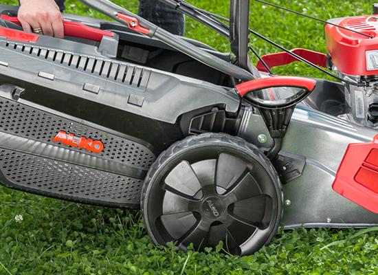 Gräsklippare  AL-KO enkel av- och påmontering av uppsamlaren